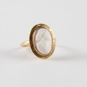 Jewelry - 10K Yellow Gold VINTAGE Cameo Ring 6.5